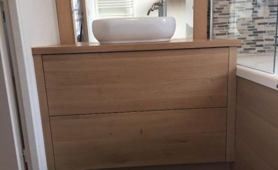 Création de salle de bain en chêne à Honfleur