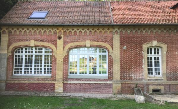 Création et pose de fenêtres en bois à l'ancienne