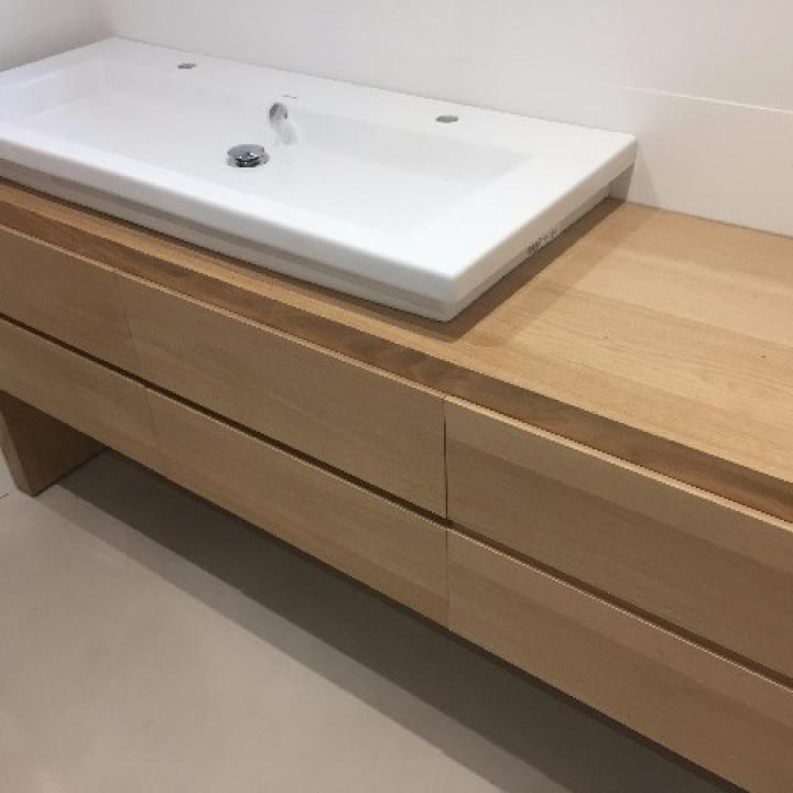 Création d'un meuble de salle de bain